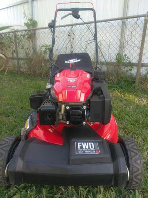 Like New Self-Propelled Lawn Mower Craftsman for Sale in Hollywood, FL