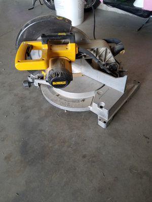 DeWalt 12 inch miter saw for Sale in Syracuse, UT