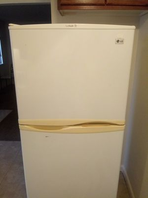 LG refrigerator for Sale in Fresno, CA