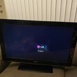 "32"" LG tv with remote for Sale in San Dimas, CA"
