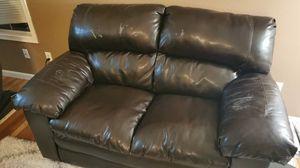 Free leather loveseat for Sale in Bellevue, WA