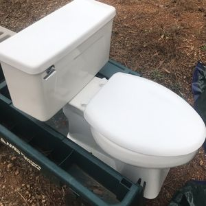 High End Toilet Works Great for Sale in Fairburn, GA