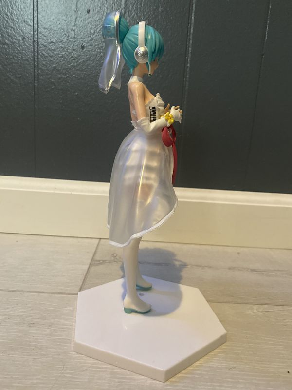 Miku Hatsune Action Figure