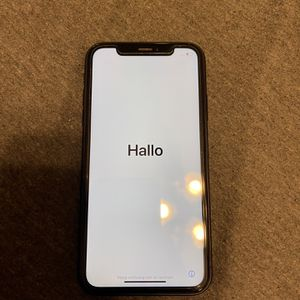 iPhone XR T-Mobile for Sale in Riverside, CA