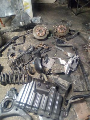 2004 to 2006 GMC Chevy Silverado Truck Various Parts for Sale in Compton, CA