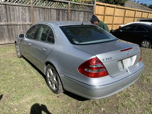 2006 Mercedes Benz E350 PARTS ONLY / PARTS NO MÁS for Sale in Houston, TX