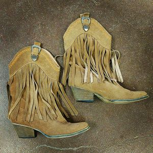 Cowgirl Boots for Sale in Ridgeland, MS