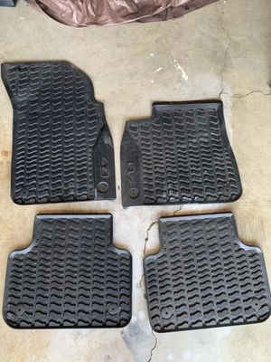2017 -2020 Audi Q7 all weather mats for Sale in Los Angeles, CA