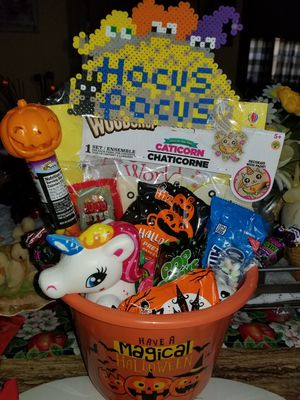 Halloween basket for Sale in Chicago, IL