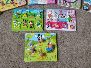 Free toys!!! 3 toys per household limit! for Sale in Palos Heights, IL