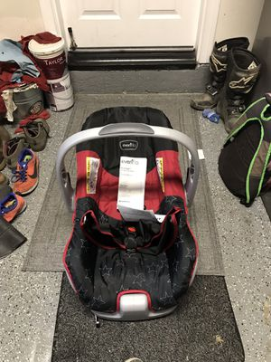 Evenflo Car seat for Sale in Corona, CA