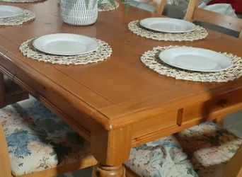 Beautiful Farmhouse Table With 6 Chairs!!! for Sale in Santa Clarita,  CA