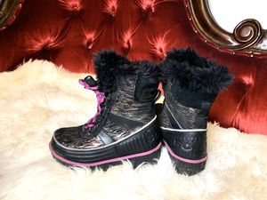 Girls boots by Sorel, little kid size 9 (EU 26) for Sale in Bellingham, WA