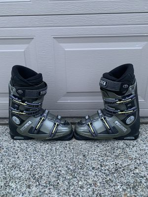 Ski boots size men's size 8 for Sale in Lynnwood, WA