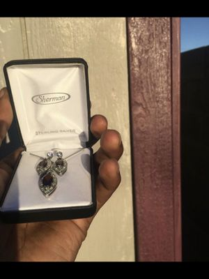 DIAMOND STERLING SILVER (NECKLACE & EARRING SET) for Sale in Chandler, AZ