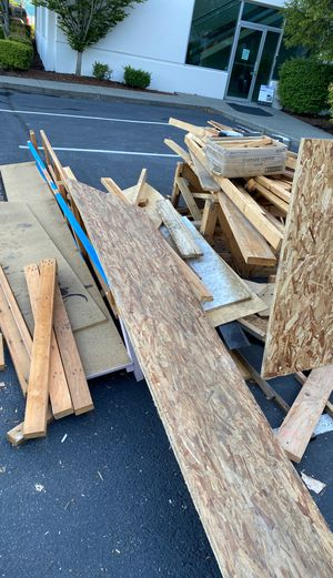 Free free free Assorted scrap wood. free for Sale in Everett, WA