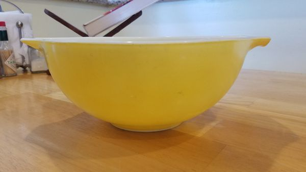 Pyrex Town & Country 2 1/2 Qt Bowl