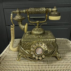 Working gold antique phone for Sale in Norco, CA