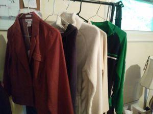 4 Woman Jackets & 1 Beech Hoody for Sale in White House, TN