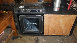 Mtx 12 square sub and 920 watt kennwood amp punch powercap for Sale in Tulalip, WA