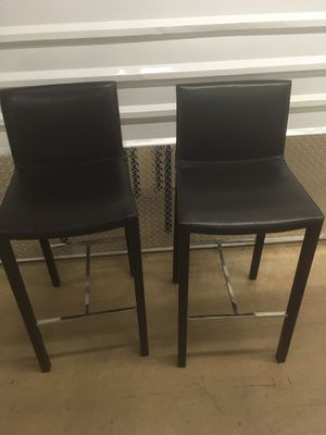 Beautiful Leather Z Gallery Bar Stools for Sale in Pittsburgh, PA