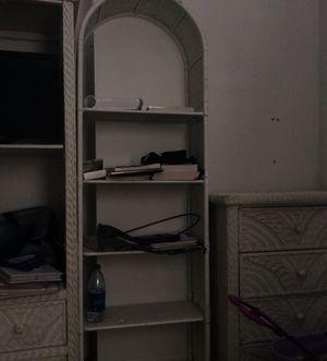 5 shelf bookcase for Sale in Montevallo, AL