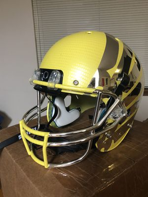 Oregon Ducks Carbon Fiber Yellow Wing Schutt Full Size Replica XP Football Helmet for Sale in Cheney, WA