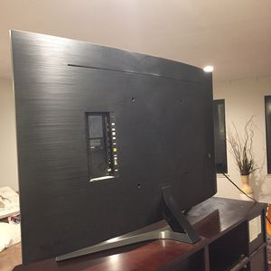 65 inch Curved Samsung smart TV for Sale in Brentwood, CA