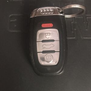 AUDI SMART KEY - CHEVY REMOTE for Sale in Naperville, IL