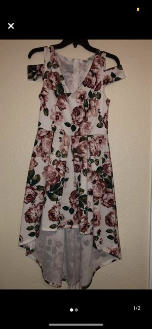 Size M white flower pattern A-cut dress for Sale in Tampa, FL