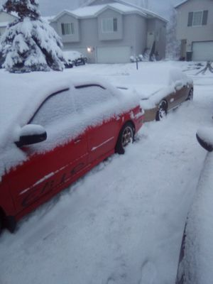 Two dead cars 02 Accord and honda delso 94 both no motor has tittle obo for Sale in Anchorage, AK