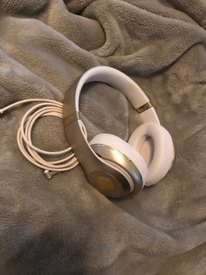 Beats Studio Champagne Color for Sale in Houston, TX