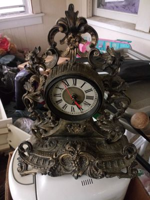 Clock made in china kinda cool for Sale in Saint Paul, MN
