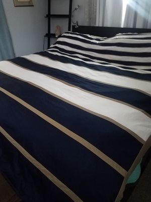 Reversible Queen bed duvet cover with shams for Sale in Dunedin, FL