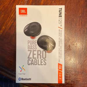 JBL Wireless Earbuds HARMAN PURE BASS ZERO CABLES BLUETOOTH for Sale in Tampa, FL
