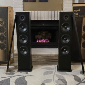 Polk T50 Tower Speakers for Sale in Poway, CA