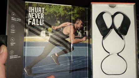 JBL/ Harman (endurance sprint) wireless~waterproof headphones... brand new for Sale in Johnson City,  TN