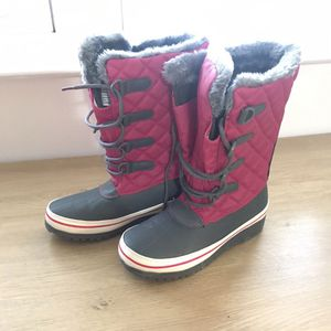 Girls Snow Boots Size 3 for Sale in Philadelphia, PA