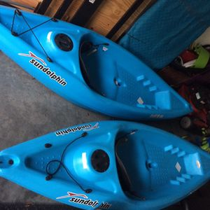 Twin 8' Sundolphin Kayaks W/paddles for Sale in Tampa, FL