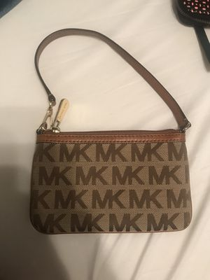 MK wristlet for Sale in Monaca, PA