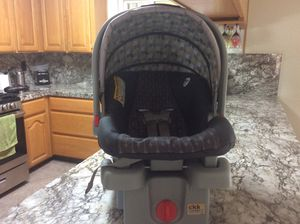 Click connect car seat with base for Sale in Gilroy, CA