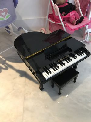 Baby Grand piano for American girl doll $100 for Sale in Miami, FL