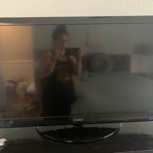 """COBY 32"""" TV for Sale in Concord, CA"""