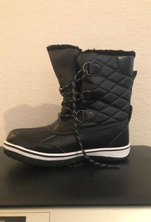 Shoes- rain/snow boots for Sale in Orlando, FL