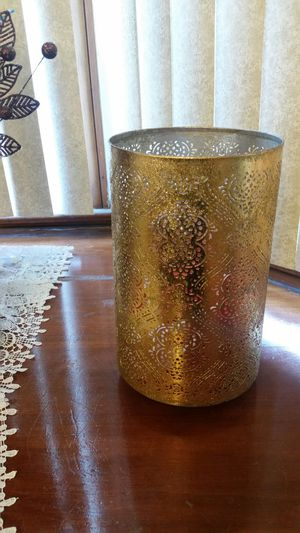 Glitter Gold Very shiny and beautiful gold flower holder, vase or decor for your home living room or dinning room decorative bowl for Sale in Dearborn, MI
