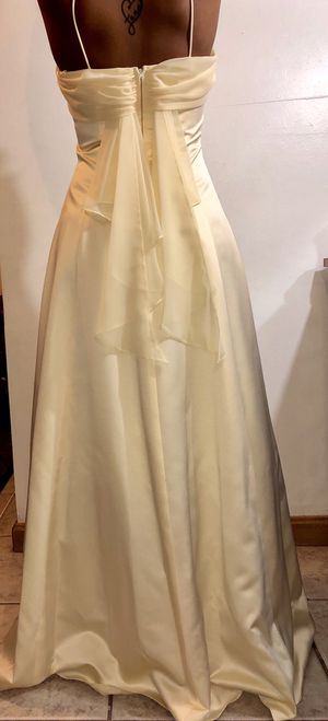 Bridesmaid Prom Homecoming Gala Banquet Cream Yellow Dress for Sale in Aspen Hill, MD