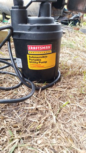 Craftsman 1/4 horsepower submersible portable utility pump for Sale in Alamo, GA