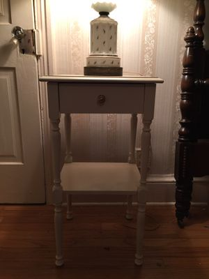 Antique table - for Sale in Burlington, NJ