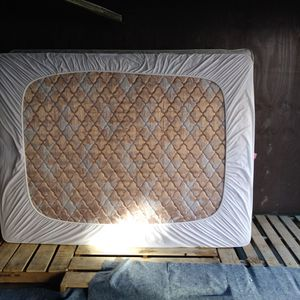 Queen Size Bed And Box Spring for Sale in Bridgeport, CT