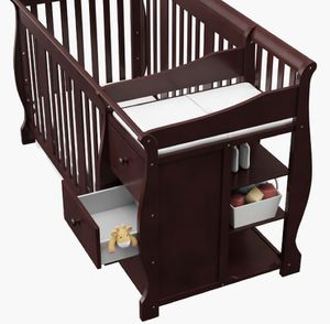Crib with changing table 5 in 1 for Sale in Warren, MI